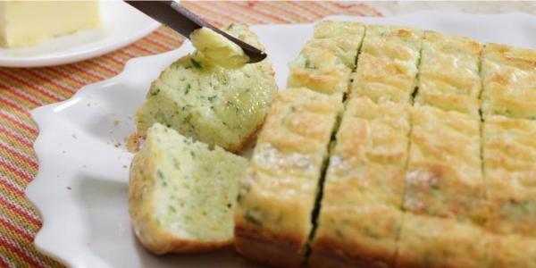 Pão de arroz, ervas e queijo